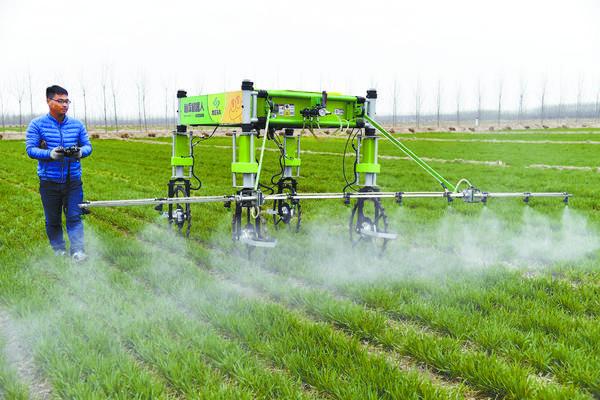 新农机装备助力农业生产