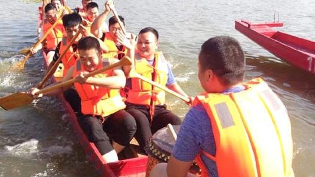 备战龙舟赛 23支参赛队伍下水训练