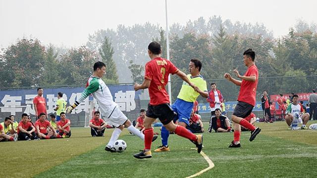 我省首届业余五人制足球超级联赛在周口开赛