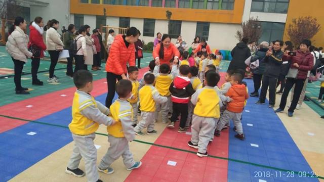 周口市直幼儿园举行家长半日观摩活动