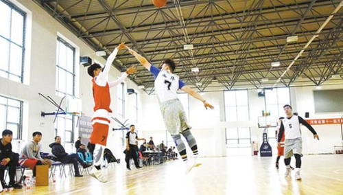 """河南省第十一届""""万村千乡""""农民篮球赛周口市决赛开战"""