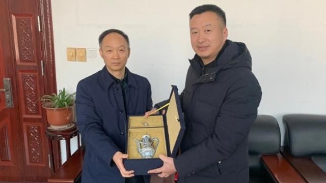 朱海彬向周口市博物馆捐赠海捞元代青花瓷器