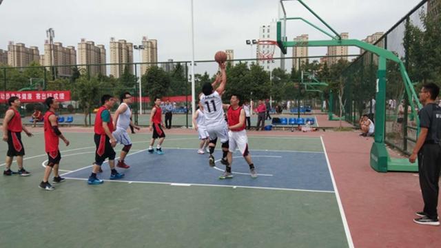 篮球比赛战犹酣
