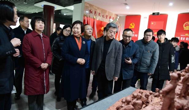 """张振福""""烽火年代""""钧瓷泥塑艺术展在周口市文化中心展出"""