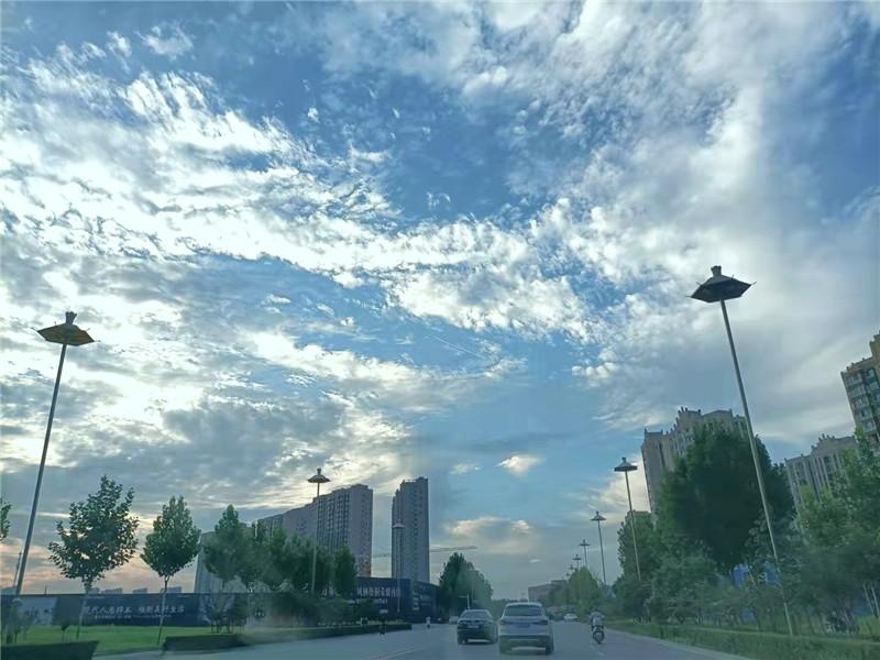 周口:秋日天空分外蓝