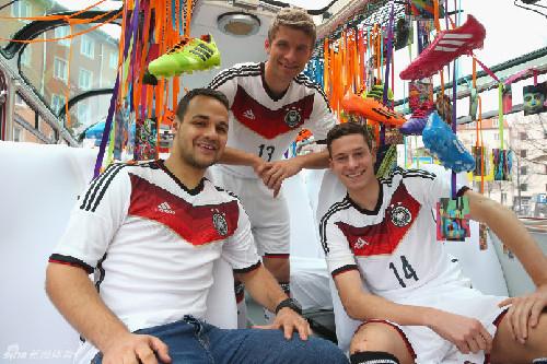 德国队2014世界杯球衣发布图片
