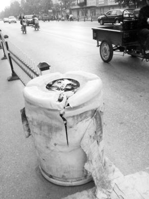 它们被一些市民当成了垃圾桶