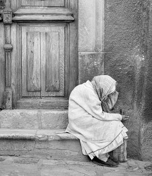 (原创)想到老人的孤独和寂寞了吗 -   蝶舞翩跹  翩跹舞红尘 - 蝶舞翩跹 翩跹舞红尘